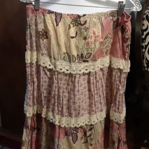 Dresses & Skirts - Tiered lace floral skirt, size L
